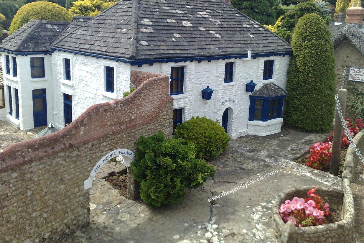 Miniature Godshill Village Isle Of Wight The Spunky