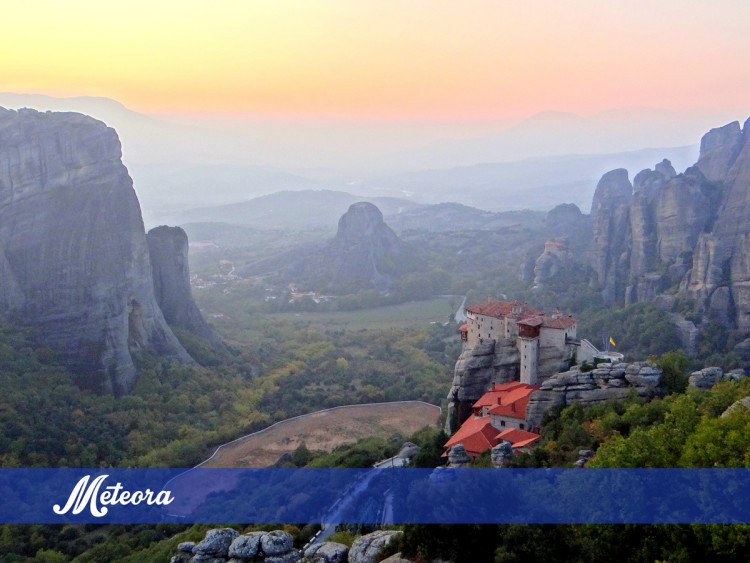 Unesco world heritage site meteora Greece - The Spunky Traveler, Places to see in Greece, Tourism Greece, Hiking trails in Greece